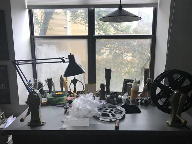 画像: ワイズマン監督の机