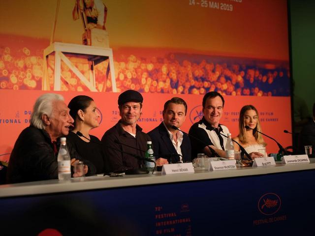 画像1: <公式記者会見> 日時:5月22日(水)[現地時間] 場所:GRAND THEATRE LUMIERE 登壇者: レオナルド・ディカプリオ、ブラッド・ピット、マーゴット・ロビー、タランティーノ監督