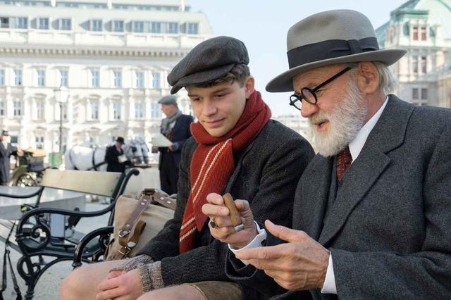 """画像: 予告!""""映画で旅するヨーロッパ"""" 「EUフィルムデーズ」-今年も開催!オープニング作は今年2月に亡くなった名優ブルーノ・ガンツ出演の『キオスク』"""