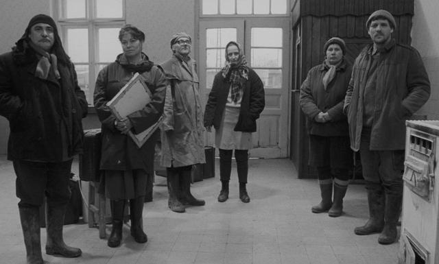 画像1: タル・ベーラ監督、伝説の7 時間18 分『サタンタンゴ』公開へ!35ミリフィルムにこだわり続けてきた監督自身が初めて許可した 4K デジタル・レストア版