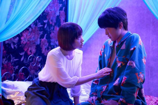 画像2: ©2019 『五億円のじんせい』NEW CINEMA PROJECT