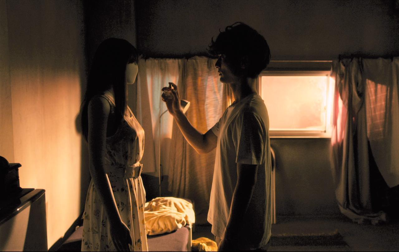 画像2: ©2019映画「アンダー・ユア・ベッド」製作委員会