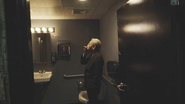 画像: スモーキング@ニューヨーク (C)2019「NO SMOKING」FILM PARTNERS