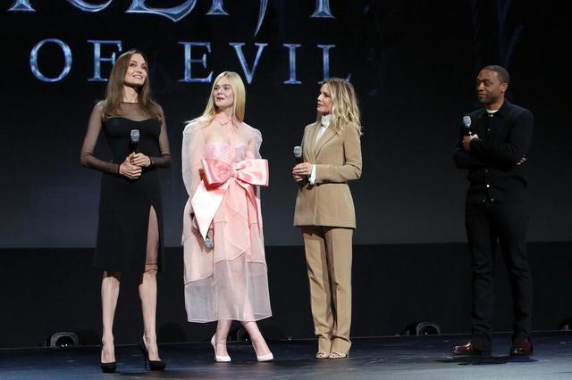 画像: ※左からアンジェリーナ・ジョリー、エル・ファニング、ミシェル・ファイファー、キウェテル・イジョフォー