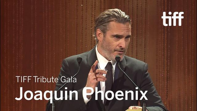 画像: TIFF Tribute Gala Joaquin Phoenix | TIFF 2019 youtu.be