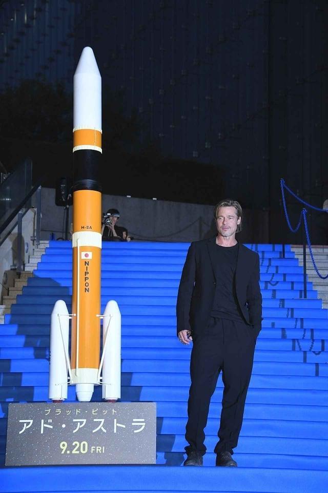 """画像1: ブラッド・ピット""""日本でも映画撮影か?""""会場内外に溢れるファンを虜にした、宇宙で""""自分自身を探す旅""""『アド・アストラ』ジャパンプレミア!"""
