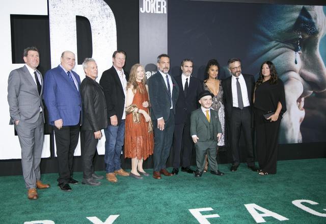 画像1: 日米同日全国ロードショー!10月4日、世紀の瞬間を目撃する-今世紀最大の衝撃作『ジョーカー』!公開目前-超豪華 US プレミア開催!