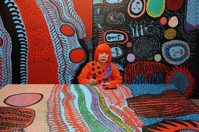 画像: Portrait of Yayoi Kusama in her studio. Image © Yayoi Kusama. Courtesy of David Zwirner, New York; Ota Fine Arts, Tokyo/Singapore/Shanghai; Victoria Miro, London; YAYOI KUSAMA Inc.