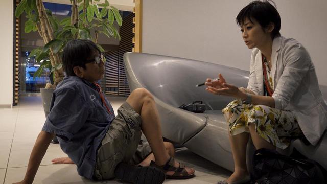 画像: 森達也監督と東京新聞社会部記者・望月衣塑子 ©2019『i –新聞記者ドキュメント-』