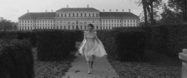 画像2: ホワイトシフォンドレス ©1960 STUDIOCANAL - Argos Films – Cineriz