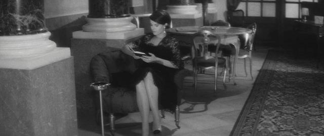 画像1: リトルブラックドレス B ©1960 STUDIOCANAL - Argos Films – Cineriz