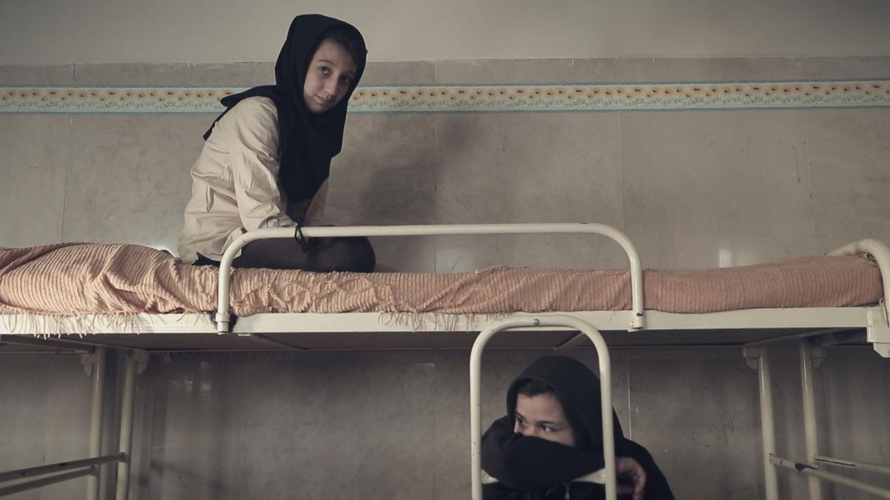 画像2: ©Oskouei Film Production