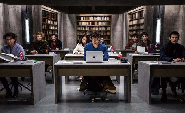 画像: 容疑者は9人の翻訳家!「ダ・ヴィンチ・コード」シリーズ出版秘話から生まれたすべてを欺く本格ミステリー『9人の翻訳家 囚われたベストセラー』