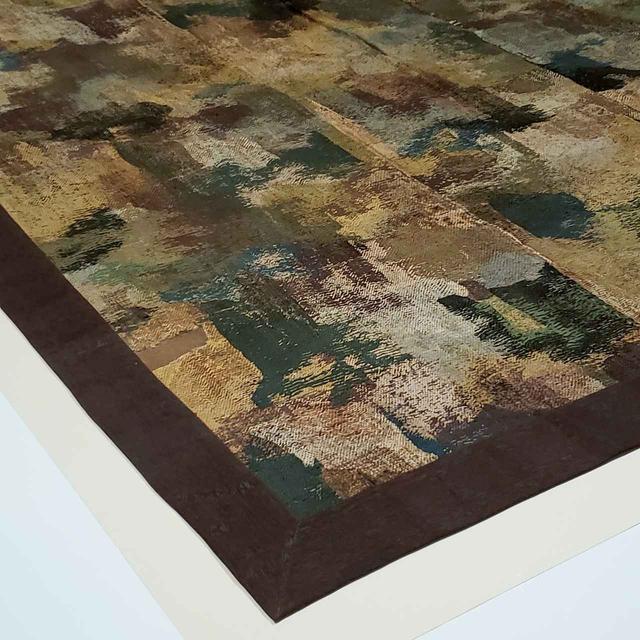 画像: 「七条刺納樹皮色袈裟」 絹糸で徹底的に細かく刺繍されて、汚れのように見せている