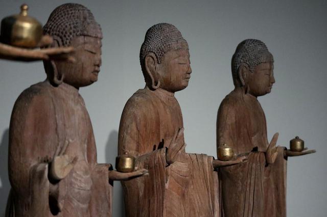 画像: 七仏薬師如来立像・右側の三尊 平安時代12世紀 岩手・正音寺 (岩手県指定有形文化財)