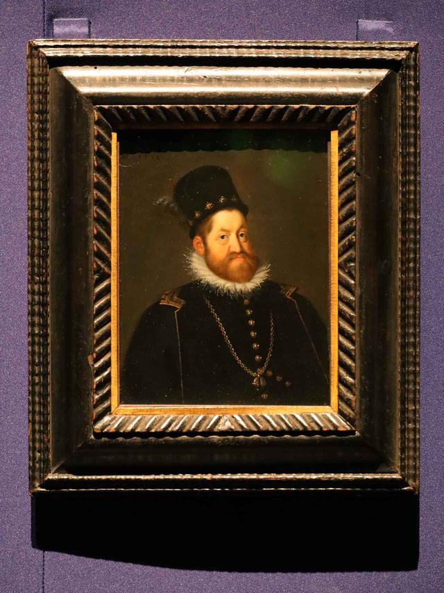 画像: ヨーゼフ・ハインツ(父)「神聖ローマ皇帝ルドルフ2世の肖像」1592年頃 ウィーン美術史美術館