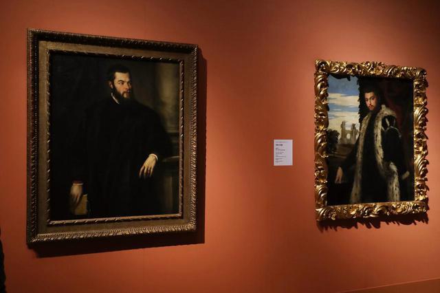 画像: イタリア・ルネサンス絵画の蒐集も皇帝の文化的権威を高めた ティツィアーノ(左)とヴェロネーゼ(右)
