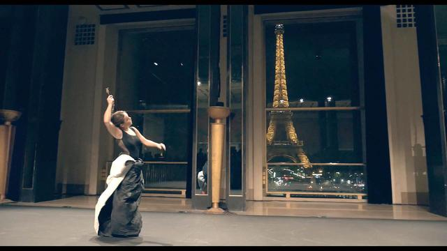 画像: 伝説のバレエダンサー、ミハイル・バリシニコフがひざまずいて敬意を表した、 驚異の天才フラメンコダンサーのステージに迫るドキュメンタリー!