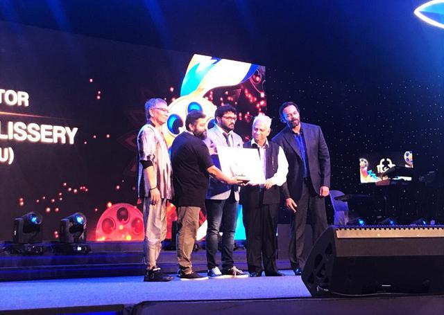 画像4: インド国際映画祭クロージング・セレモニーでは、10,000人を超える観客を前に三池監督が登壇!さらに映画『初恋』マカオ国際映画祭への出品も決定!