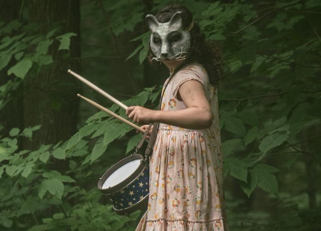 """画像3: 予告❗️凶暴化した猫、豹変した娘...怒涛の恐怖!「凄くいいよ!良い作品だと思う」とスティーヴン・キング本人のお墨付""""禁忌""""ホラー『ペット・セメタリー』"""