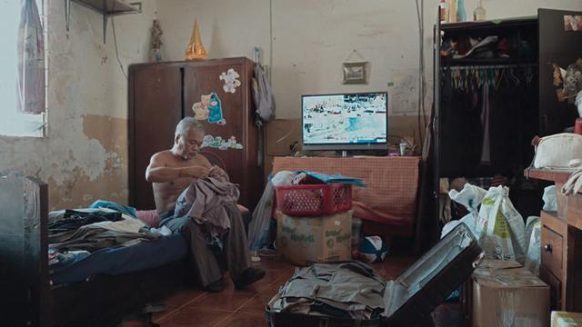 画像1: スペシャルメンション 二アン・カヴィッチ (NEANG Kavich) 監督 ●『昨夜、あなたが微笑んでいた』 カンボジア、フランス / 2019 / 77 分 広瀬奈々子 (HIROSE Nanako) 監督 ●『つつんで、ひらいて』 日本 / 2019 / 94 分