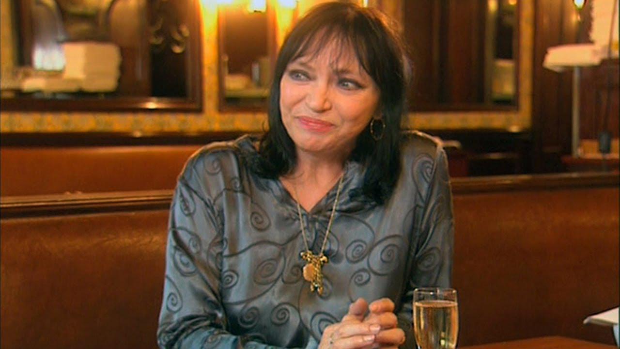 画像: Anna Karina on Meeting Jean-Luc Godard youtu.be