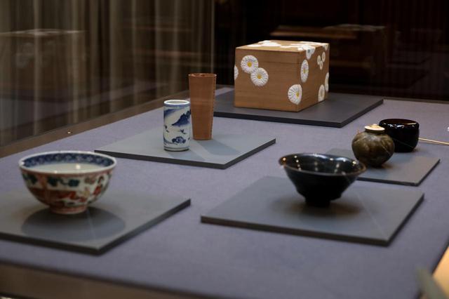 画像: 桐木地菊置上茶箱 一式 江戸時代18〜19世紀 北三井家旧蔵