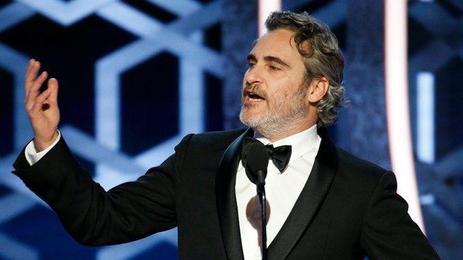 画像: Joaquin Phoenix Made the Golden Globes Go Vegan