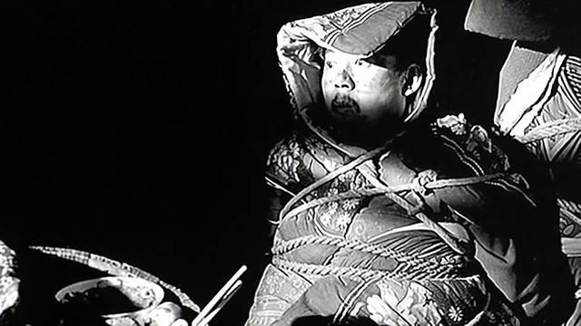 画像: Les démons à ma porte (鬼子来了, 2000) de Jiang Wen youtu.be