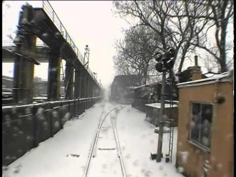 画像: West of the Tracks: Rust - PREVIEW youtu.be