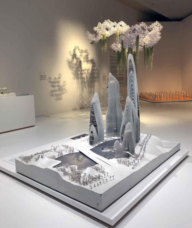 画像1: セクション1 「都市の新たな可能性」 展示風景 photo©saitomoichi