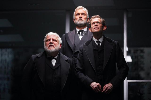 画像3: © NTL 2019 The Lehman Trilogy - Simon Russell Beale, Ben Miles and Adam Godley. Photo by Mark Douet