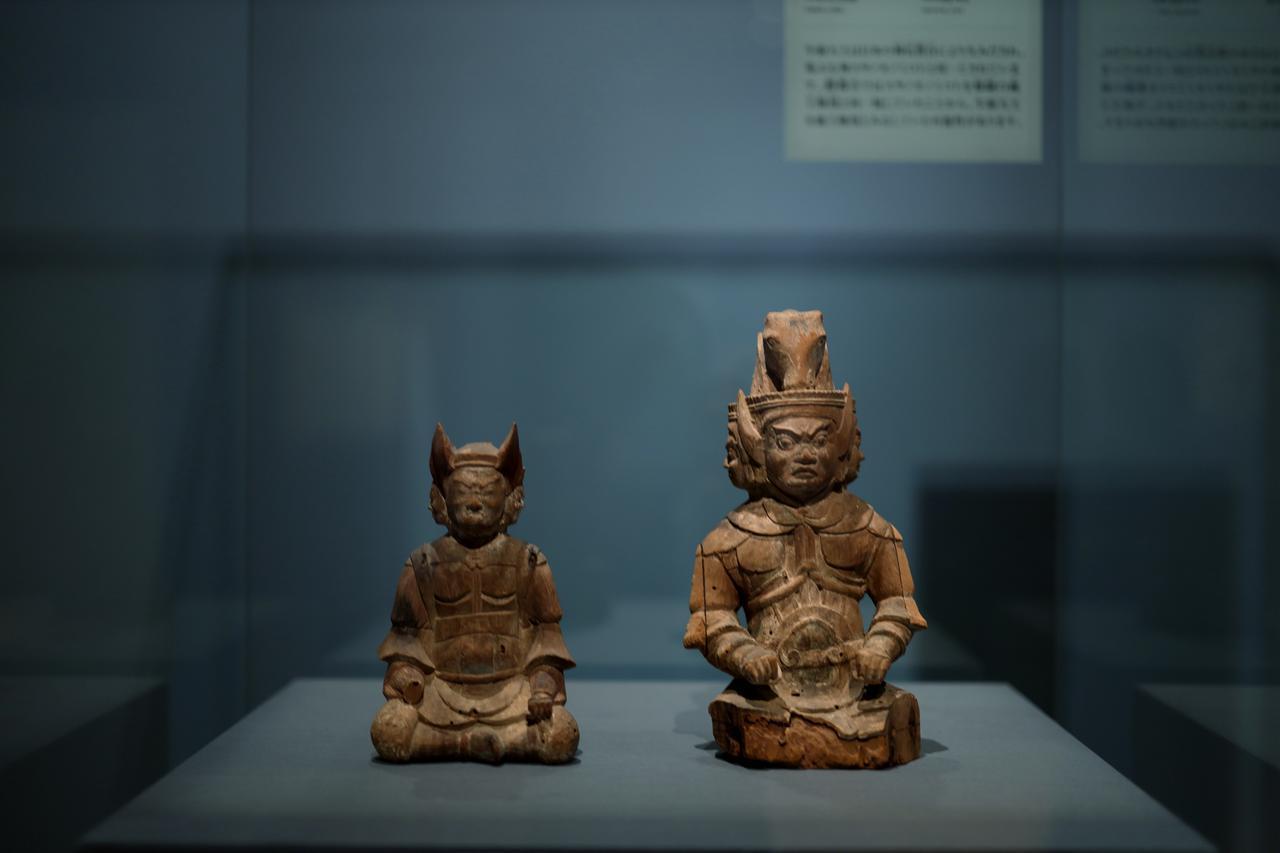 画像: 牛頭天王坐像 2体 平安時代12世紀 島根・鰐淵寺(島根県立古代出雲歴史博物館寄託)