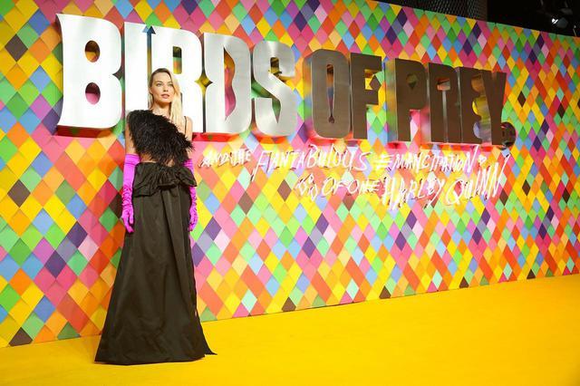 画像4: マーゴット・ロビーの華やかすぎるドレス姿に、会場が大熱狂!!