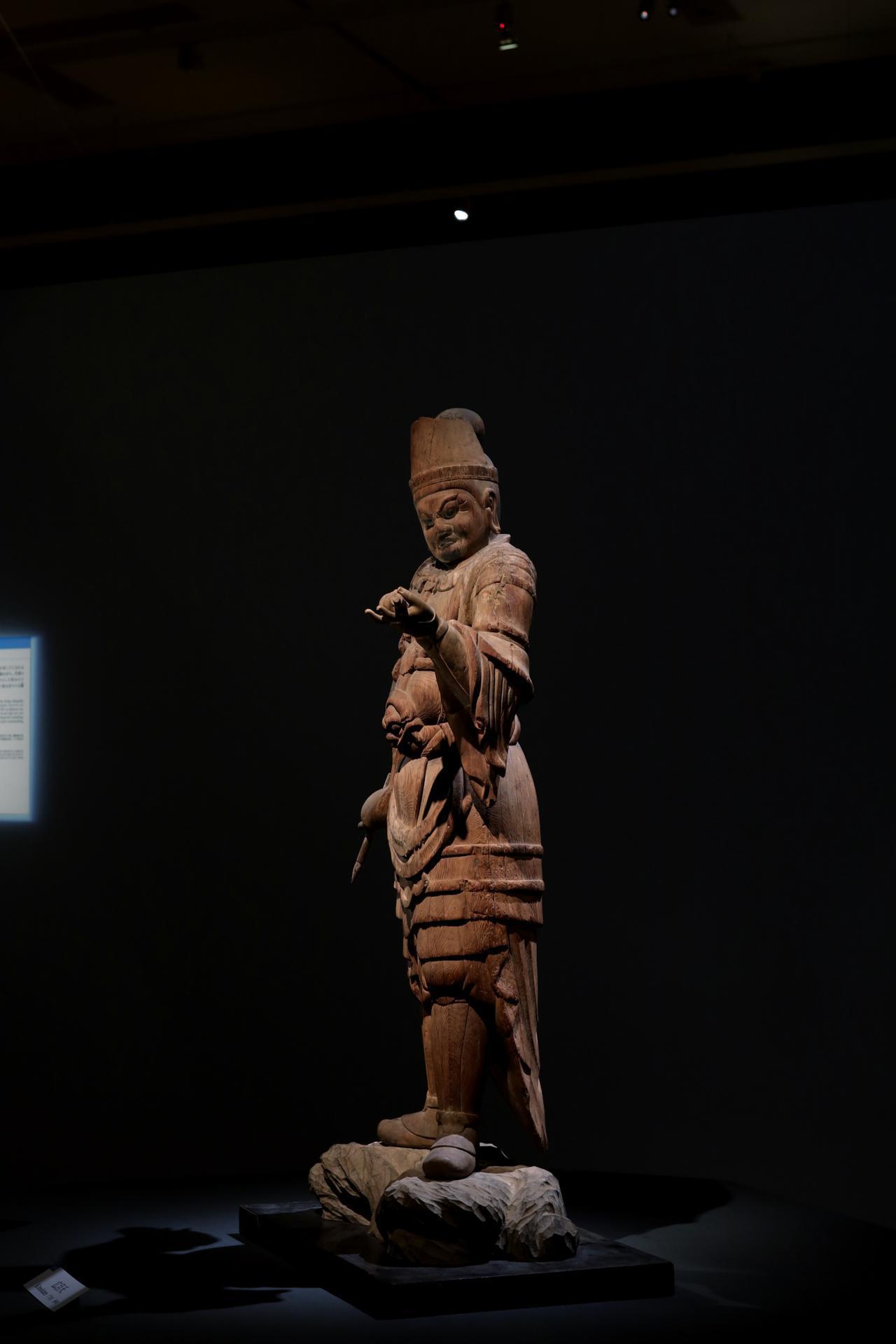 画像: 出雲・大寺薬師の四天王のうち 広目天立像 平安時代9世紀 島根・萬福寺 重要文化財