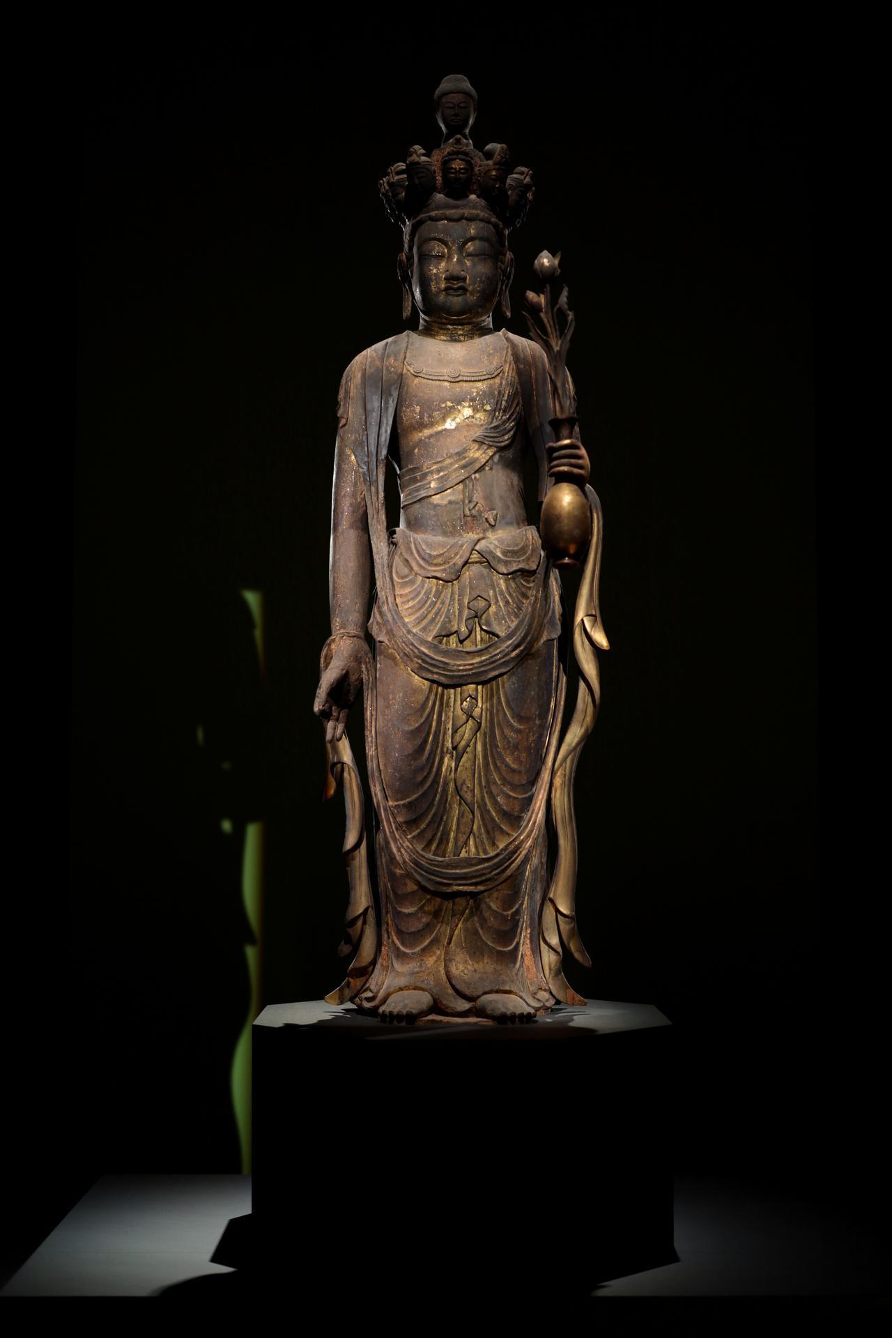 画像: 十一面観音菩薩立像 奈良時代8世紀 奈良・金剛山寺(矢田寺) 重要文化財 ほぼ全体を大きなキリの一木で彫り、衣の一部が木屎漆で整形されている