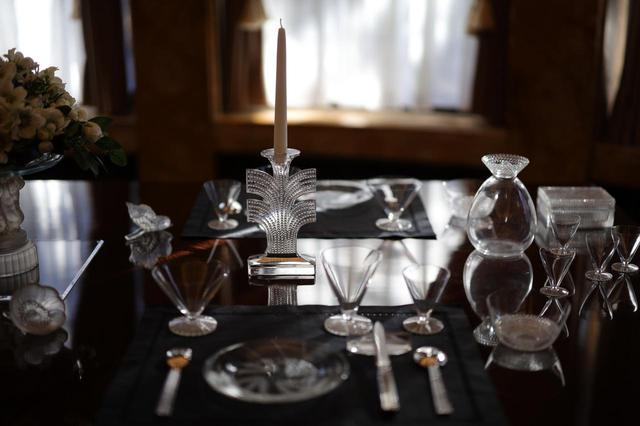 画像: ルネ・ラリック テーブルウェア(燭台、グラス・セット、フィンガーボウル「トウキョウ」他) 北澤美術館蔵