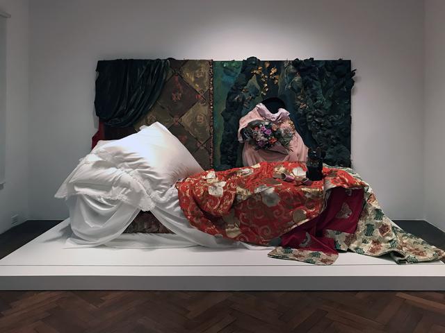 """画像: 展示風景:《""""オランピア""""の部屋  1988-2018》1988-2018 ©Yasumasa Morimura photo©moichi"""