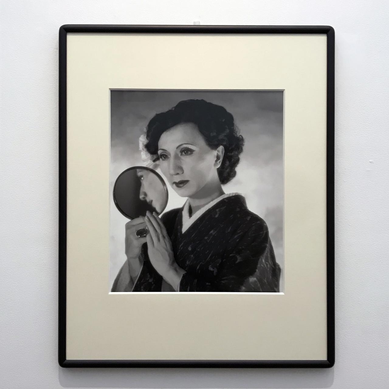 画像: 《鏡を持つ自画像》1994 ©Yasumasa Morimura photo©moichi