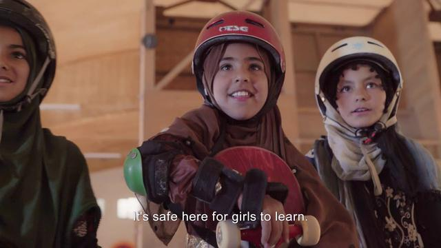 画像: Learning to Skateboard in a Warzone (If You're a Girl) Trailer 2019 youtu.be