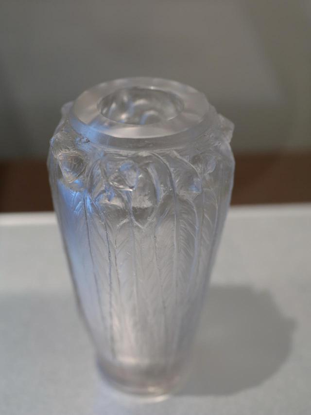 画像2: ルネ・ラリック シール・ペルデュ花瓶「ユーカリ」 1923年 北澤美術館蔵