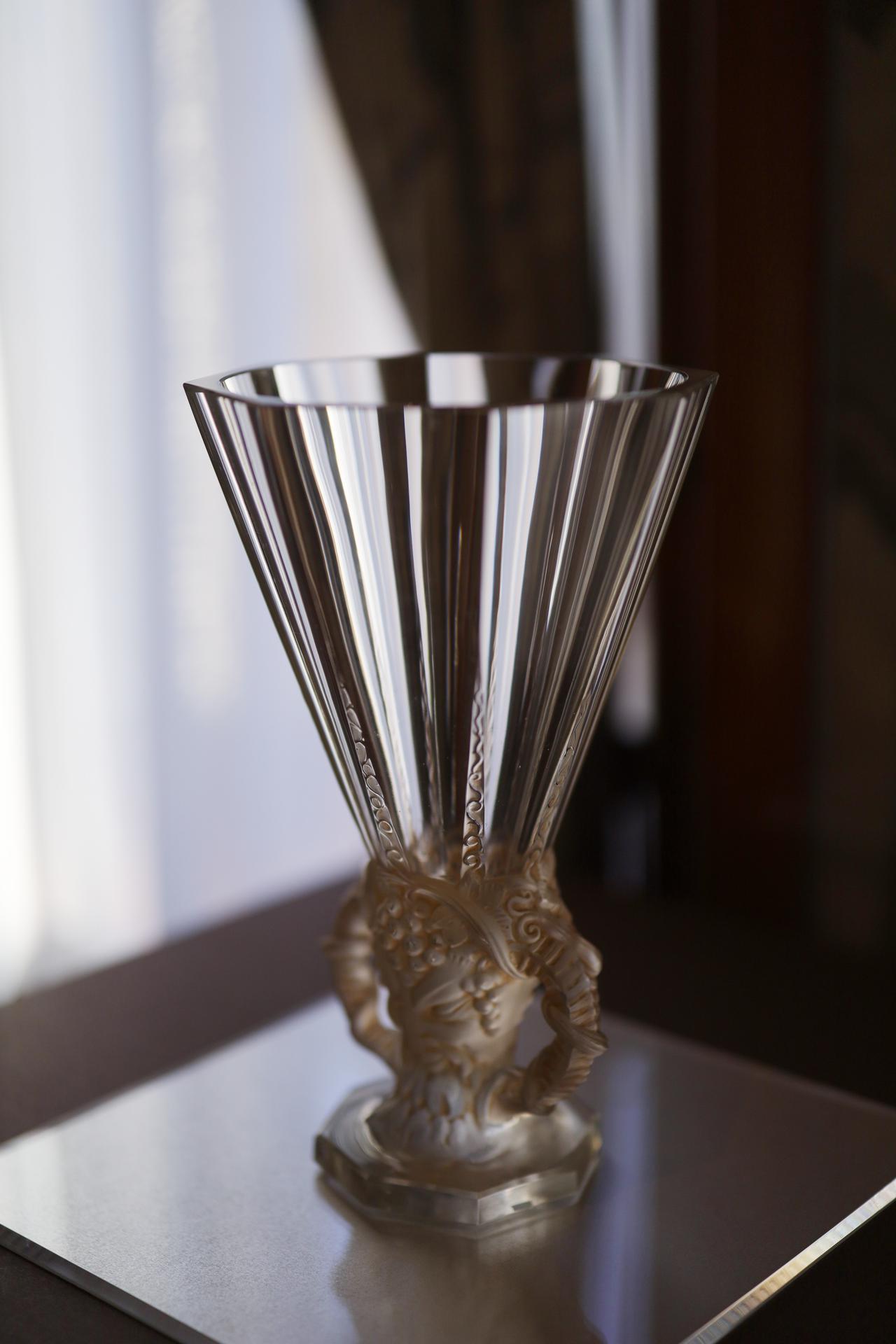 画像: ルネ・ラリック 花瓶「牧神」カット装飾 1931年 北澤美術館蔵