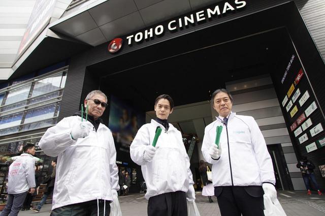 画像: 左より三池崇史監督、窪田正孝、吉住健一--(新宿区長)