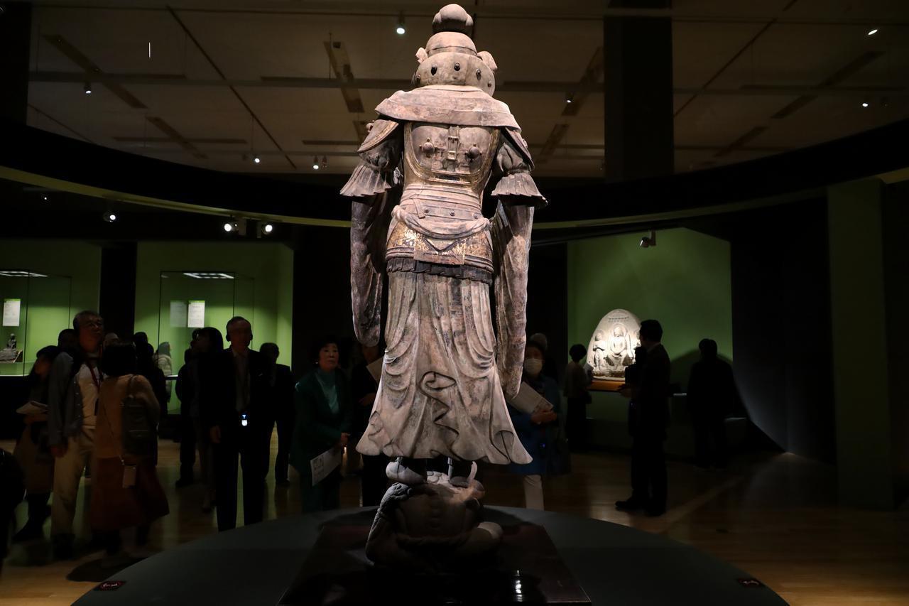画像: 脱活乾漆持国天立像 飛鳥時代7世紀 奈良・當麻寺蔵 重要文化財
