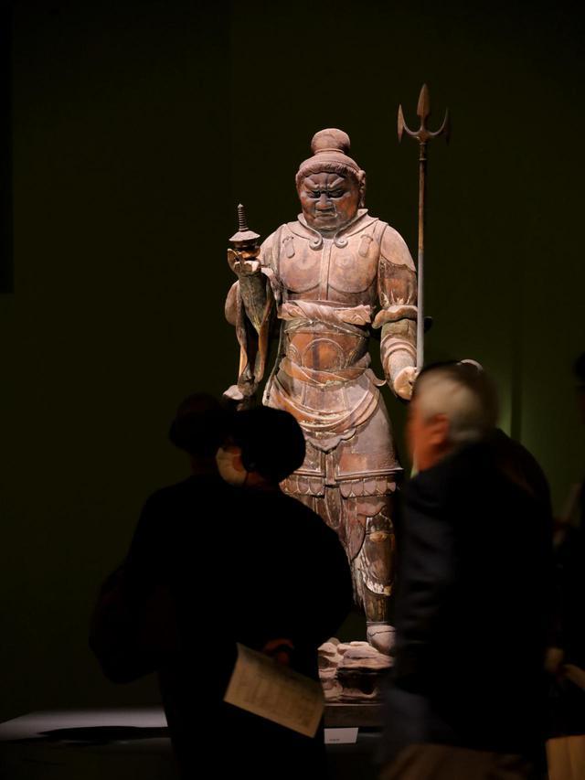 画像: 国宝・多聞天立像 奈良時代8世紀 奈良・唐招提寺