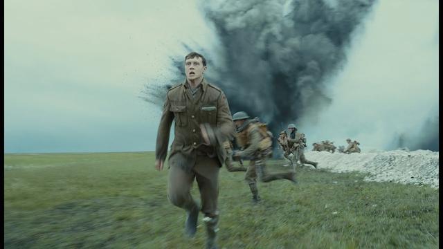 """画像: 『1917 命をかけた伝令』<""""リアルタイムで物語を描く""""ことを徹底的に追求>豪華特別映像 youtu.be"""