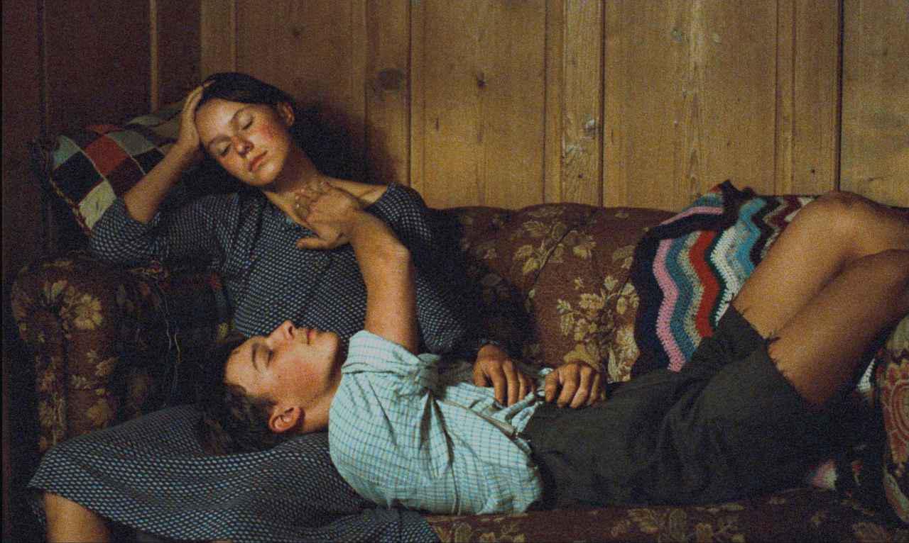 """画像: 映画史に燦然と輝く""""山""""映画の最高峰、『山の焚火』。 「神話的であり、人生そのもののような映画」"""