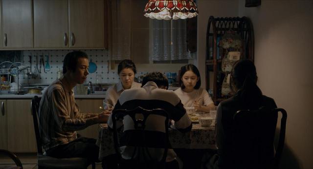 画像2: ベルリン映画祭を始め、世界各国で 45 以上の賞を受賞!韓国の単館公開としては異例、公開 1 か月で観客動員数 12 万人超の大ヒット作『はちどり』