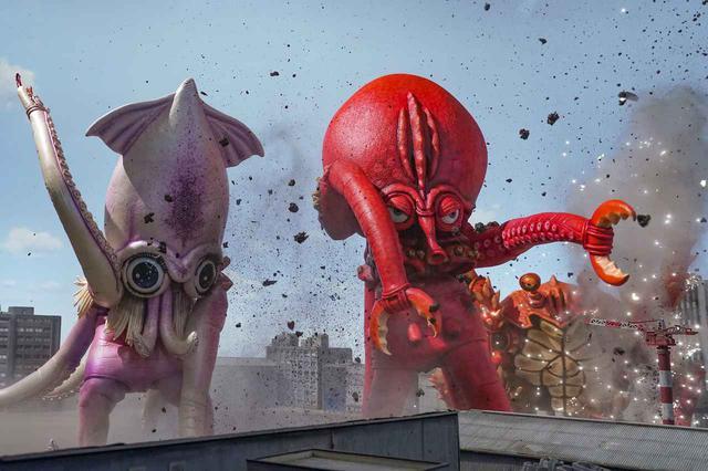 画像5: 予告❗️この怪獣、食べたらバカウマ!イカ・タコ・カニ怪獣で国立競技場を海鮮丼にせよ!バカ映画一直線の日本映画界の異端児・河崎実監督『三大怪獣グルメ』