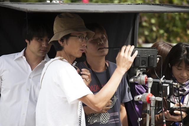 画像: 左から、遠山雄、照明:阿部良平、監督:大山晃一郎、記録:村松愛香